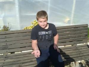 מגלה החותם. מתביי צופלב, ילד רוסי כבן 10 שהגיע עם משפחתו לביקור בארץ.
